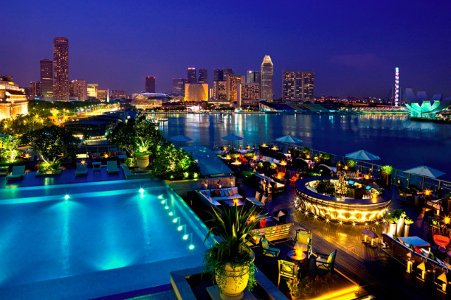 HOME TOP 10 Amazing rooftop bars in Singapore you need to visit la terraza 1