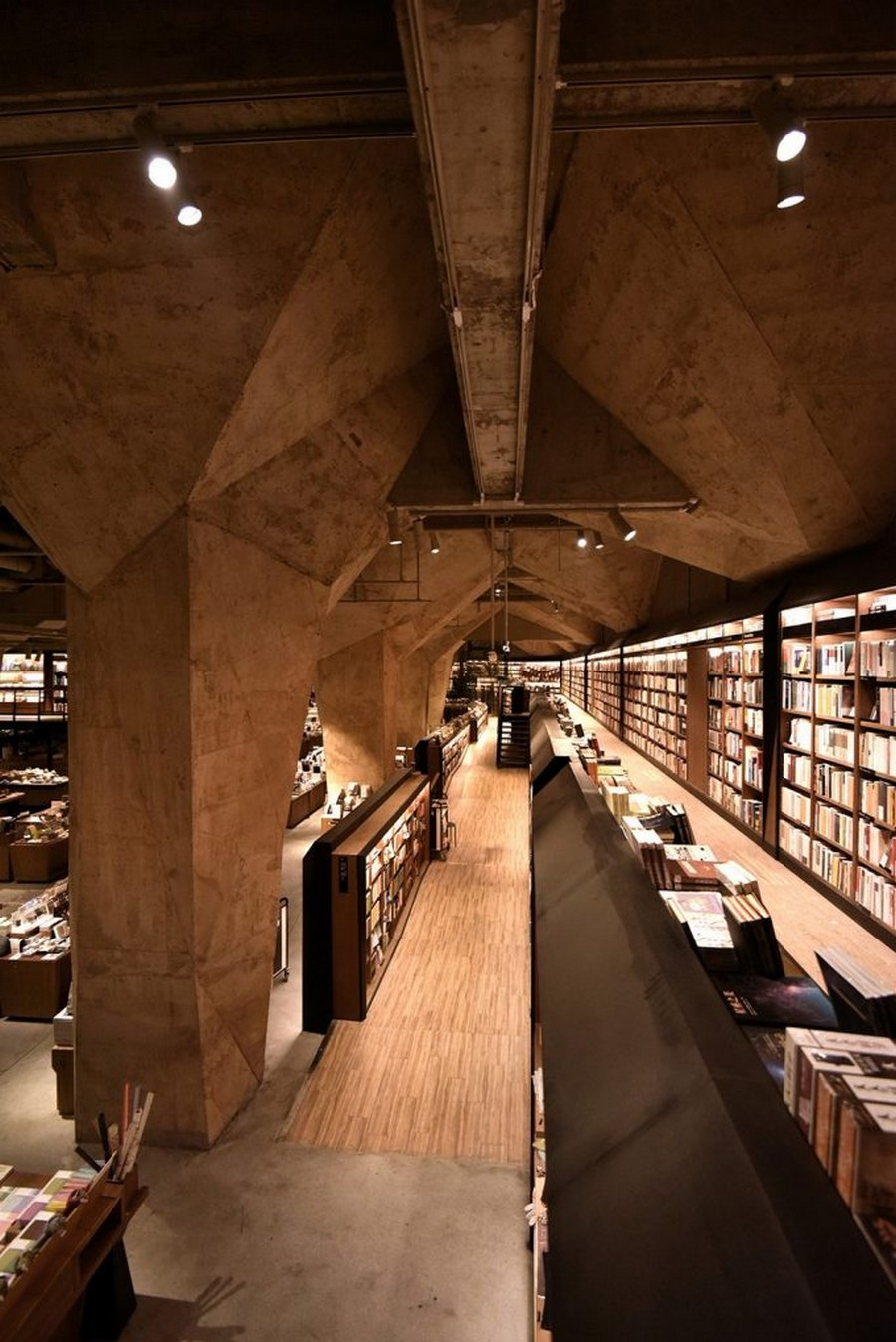 Be Inspired By Chu Chih-Kang's Most Famous Bookstore Design Project